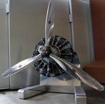 Image of Douglas DC-3 Engine and Propeller