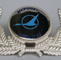 Image of Republic Airlines Pilot Uniform Hat Badge - 1979