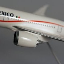Image of Aeromexico Boeing 787-8 Model Airplane