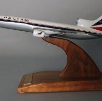 Image of Delta Lockheed L-1011-500 Shannon Inaugural Model Airplane - 1986