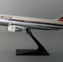 Image of Delta Boeing 767-232, N101DA Model Airplane - ca. 1982