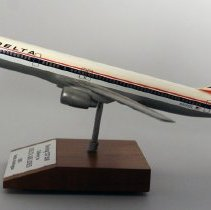 Image of Delta Boeing 757-232, N601DL Delivery Model Airplane - 1985