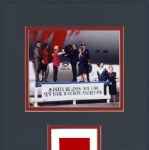 Image of Commemorating Delta's Global Expansion - 11/1992
