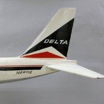 Image of Delta Convair 880, N8801E Model Airplane