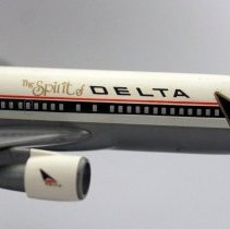 Image of Delta Boeing 767-232, N102DA, The Spirit of Delta Model Airplane