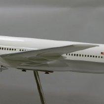 Image of Delta Boeing 777-232ER, N860DA, Ship 7001 Model Airplane - ca. 2004-2007