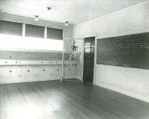 Image of 2009.15.2122 - Anatomy classroom