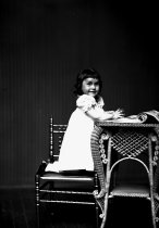 Image of 2009.15.624 - Kirsner, Mrs. I, daughter of
