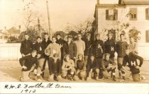 Image of 2008.33.27 - H.H.S. Football team 1913