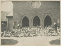 Image of 1959.6.1.22 - Unidentified patriotic group at Soldiers' Home Chapel
