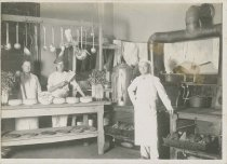 Image of 1959.6.1.9 - Kitchen staff with Thanksgiving 1914 cake