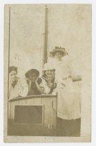Image of 1986.9.51 - Booker family women on sailboat