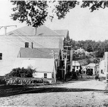 Image of Central Street in Rockport, Maine circa 1908