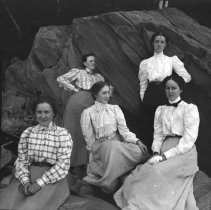 Image of Grace Parker, Alice Merriam, Fannie Fuller, Mary Knight & Marian Goodwin