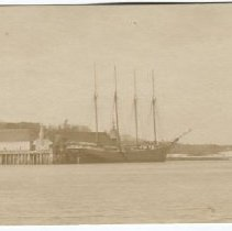Image of Schooner docked at the Eastern Steamship Co. wharf in Camden