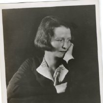 Image of Edna St. Vincent Millay circa 1935