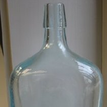 Image of Bottle excavated from the Richmont estate