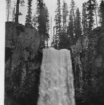 Image of Tumelo Falls, Central Oregon