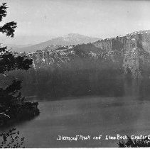 Image of Diamond Peak and Llano Rock at Crater Lake
