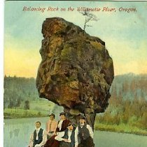 Image of Balancing Rock on the Columbia River