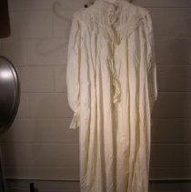 Image of 70.144.25 - nightgown