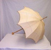 Image of 70.195.14 - parasol