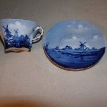Image of 74.90.2 - cup and saucer