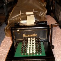 Image of 85.17.1 - adding machine