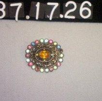 Image of 87.17.26 - brooch