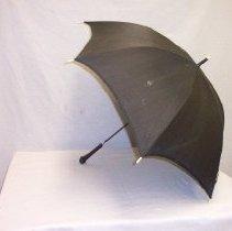 Image of 87.37.484 - umbrella