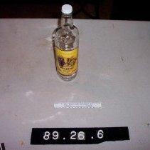 Image of 89.26.6 - bottle