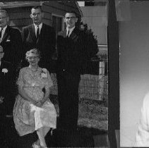 Image of Loomis family, Don Loomis on right