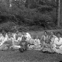 Image of GP4/5.258 - REMARKS:Fourth of July, picnic. Camas Valley, OR area. Unidentified group.