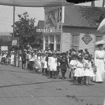 Image of GP5/7.302 - REMARKS:Parade on Cass Street, Roseburg, OR, ca 1910. Mostly children are in the parade.  OBJECT DATE:ca 1910
