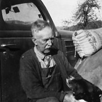 Image of N11211 - REMARKS:Calvin Scott Henry, a rancher in the Umpqua Area.