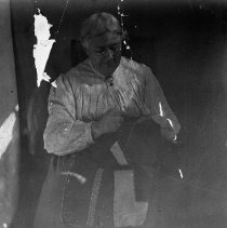 Image of N12452 - REMARKS:Elizabeth Ann Morris, she lived at the Hedden Bluff area, Elkton, Or. Postcard view marked 1909.