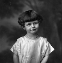 Image of N12639 - COUNT:2  REMARKS:Phylis Boulter Browning, as a little girl. ca. 1920s?  OBJECT DATE:ca 1920s