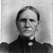 Image of N13127 - COUNT:2  REMARKS:Fannie Sawyers.