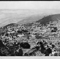 Image of N13781 - COUNT:2  REMARKS:A panoramic view of Roseburg, Oregon, looking east from Mt. Nebo. This is the left half of the panorama. Photo ca. 1927. (N13782 is the right half.)  OBJECT DATE:ca. 1927