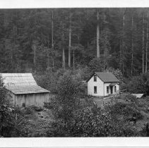 Image of N14029 - COUNT:2  REMARKS:Jake Fern's house. He died on May 23, 1918, at age 67 years and 10 months. He was a son of Chief Halo of the Calapooya Indian Tribe in the Yoncalla Area.  OBJECT DATE:ca. 1918