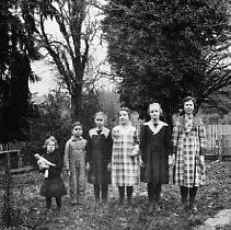 Image of N14190 - REMARKS:The children of Frank and Elsie (Hefty) Wells of Drain, Oregon, ca. 1922. Left to right: Lena Irene Wells; Lois Wells; Frances Alene Wells; Claire Wells; Ira Thomas Wells; Bernice Wells.