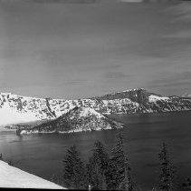 Image of Crater Lake in snow