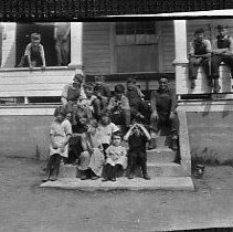 Image of N15929 - REMARKS:Melrose, OR school and pupils; ca 1930?  OBJECT DATE:ca 1930