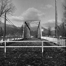 Image of N16272 - REMARKS:Bridge at Glendale, OR, January, 1972. Shows debris after high water. Two views.