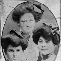 Image of N16376 - REMARKS:Three young women, Annie Grubbe at left; Grace Grubbe, center; Bessie Grubbe at right, ca 1900. Oakland, OR.