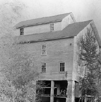 Image of N3404 - REMARKS:Grist mill near the mouth of Deer Creek, Roseburg, Ore., ca. 1910-1911