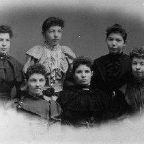 Image of Aaron Harvey Jr. daughters