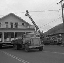 Image of N35.227 - REMARKS:The Sig Fett house being moved, ca. 1973.  OBJECT DATE:December 10, 1973