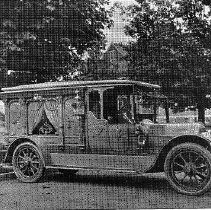 Image of N4083 - REMARKS:Auto hearse of W.W. Hollingsworth, Newberg, Yamhill Co. 1915.