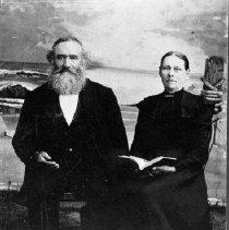 Image of N4276 - REMARKS:Martin Van Buren Leach and wife, Rebecca Janette (Nottage) Leach.